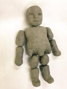 制作中のゴーレム人形